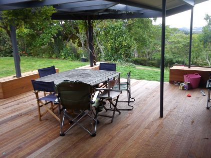 Decks, seating and verandahs